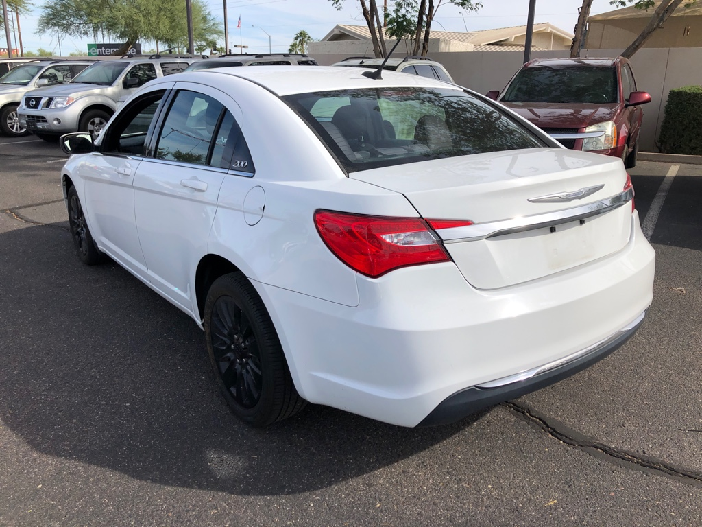 Pre-Owned 2014 Chrysler 200-Series 4dr Sdn LX
