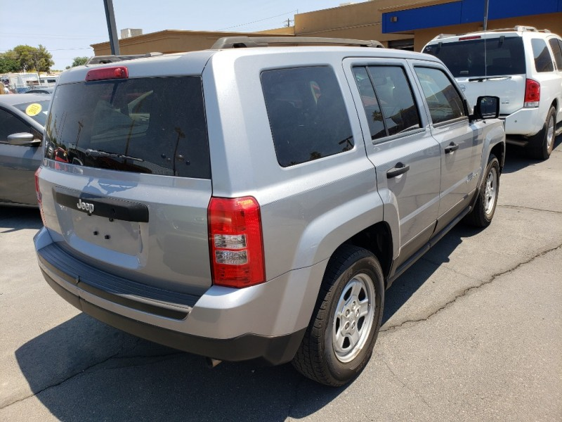 Pre-Owned 2016 Jeep PATRIOT 4DW