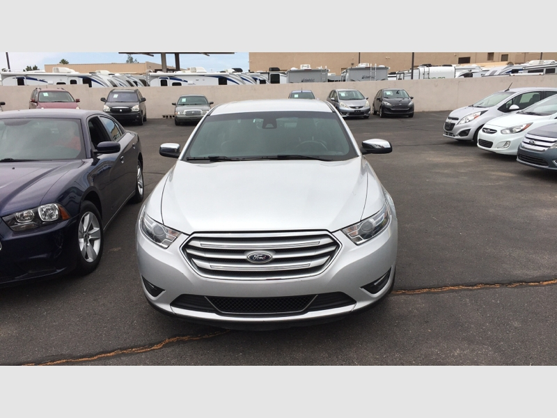 Pre-Owned 2017 Ford Taurus Limited FWD