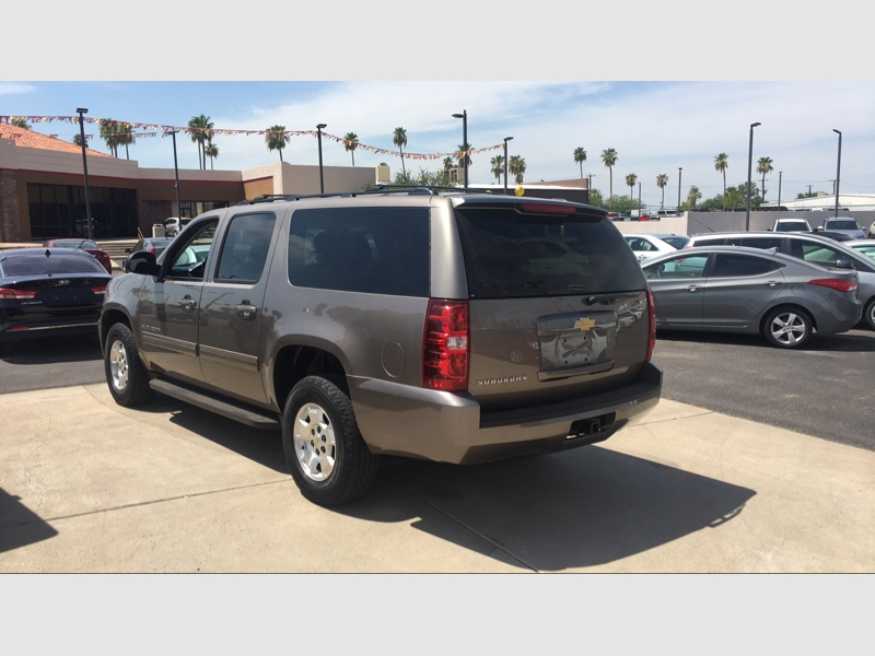 Pre-Owned 2013 Chevrolet Suburban 2WD 4dr 1500 LS