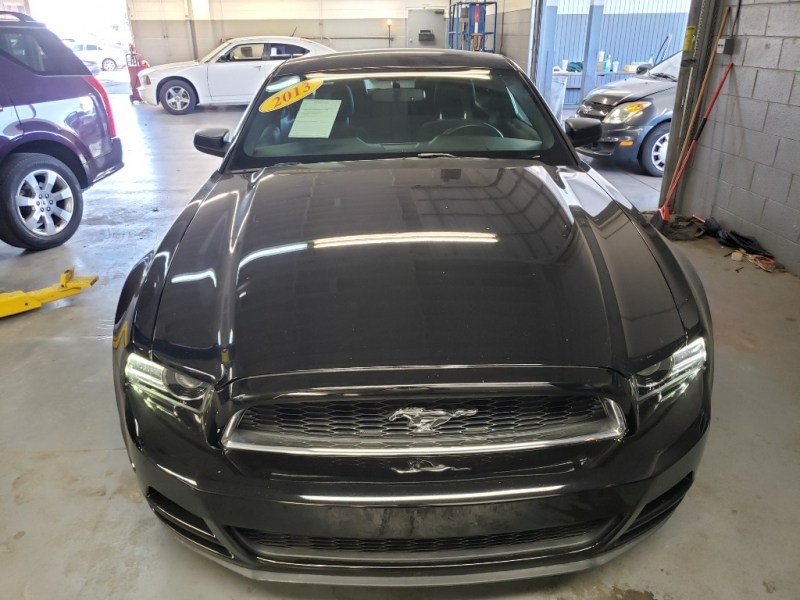 Pre-Owned 2013 Ford MUSTANG 2 DOOR COUPE