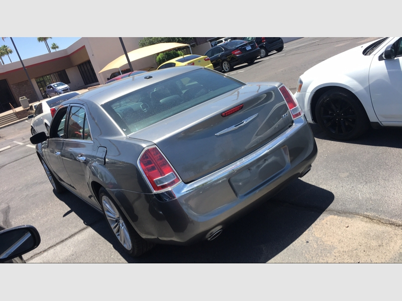 Pre-Owned 2011 Chrysler 300 4dr Sdn Limited RWD