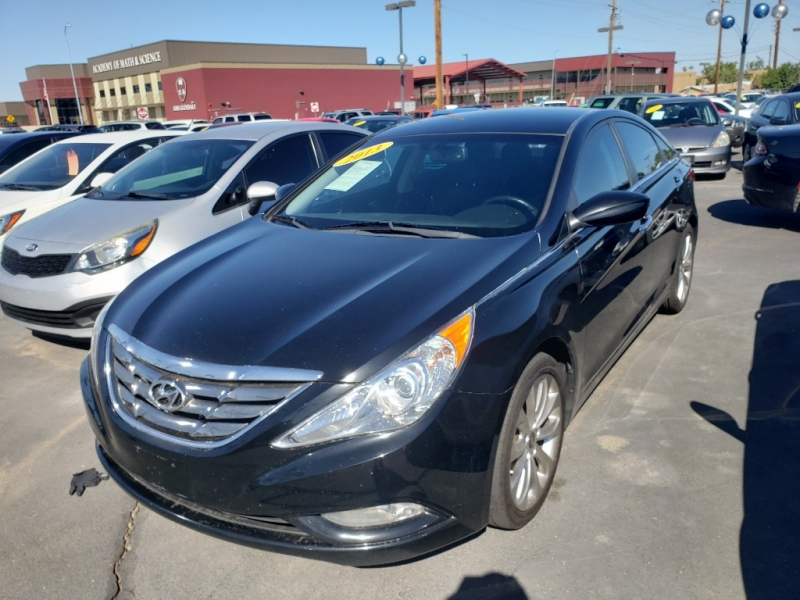 Pre-Owned 2013 Hyundai SONATA 4 DOOR SEDAN