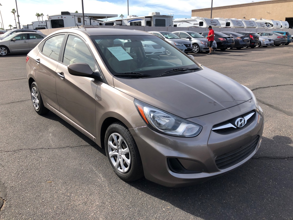 Pre-Owned 2012 Hyundai Accent 4dr Sdn Man GLS