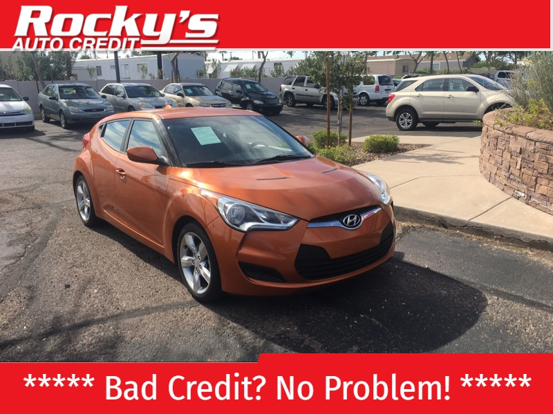 Pre-Owned 2015 Hyundai Veloster 3dr Cpe Auto RE:FLEX w/Red Int
