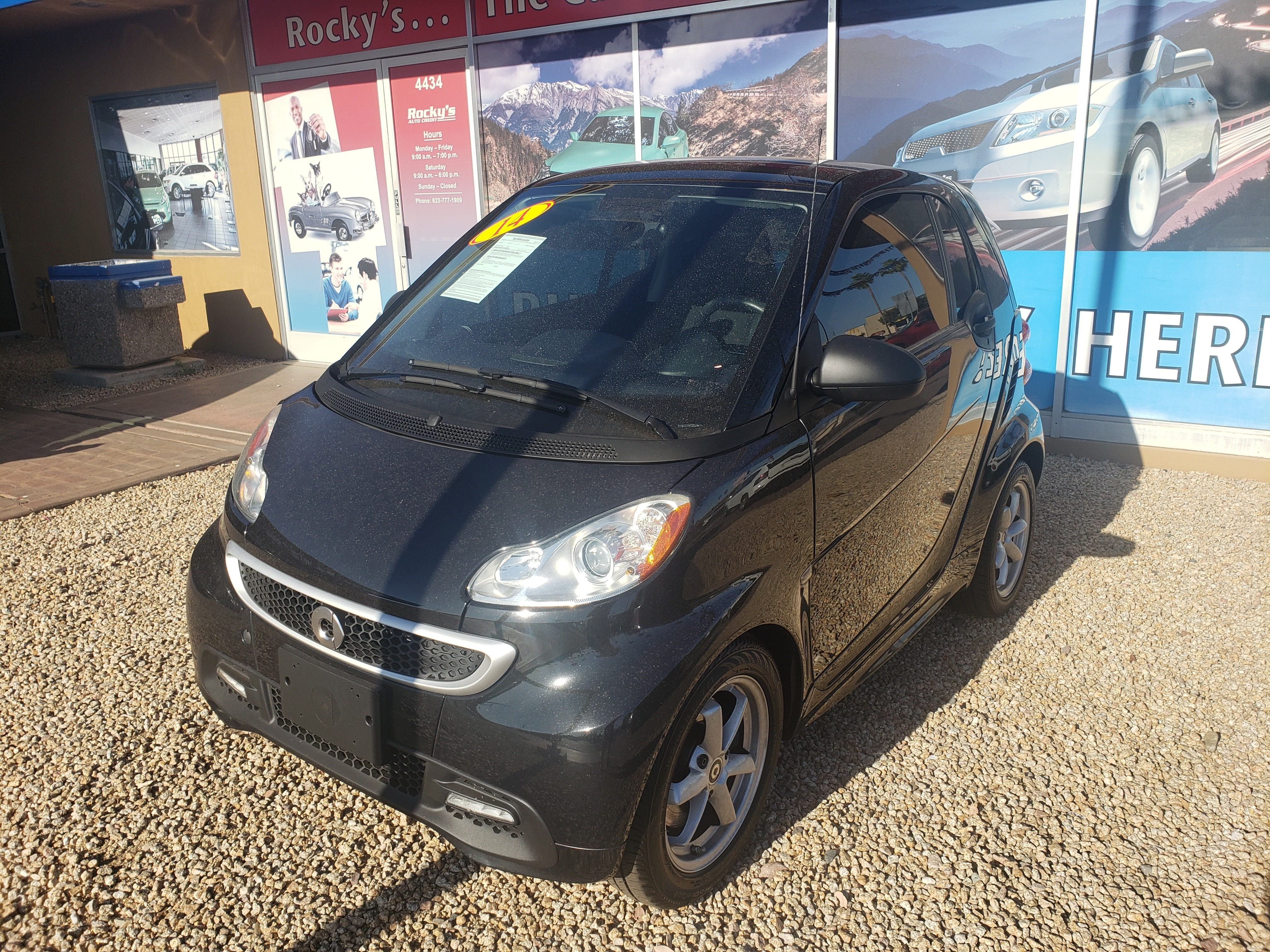 Pre-Owned 2015 smart FORTWO 2 DOOR COUPE