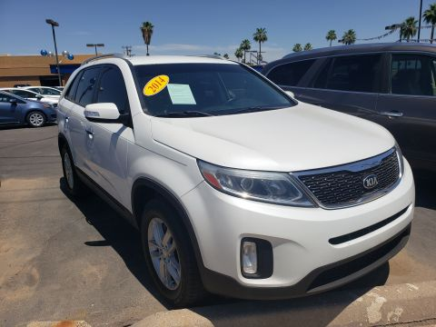 Pre-Owned 2014 Kia SORENTO 4 DOOR WAGON